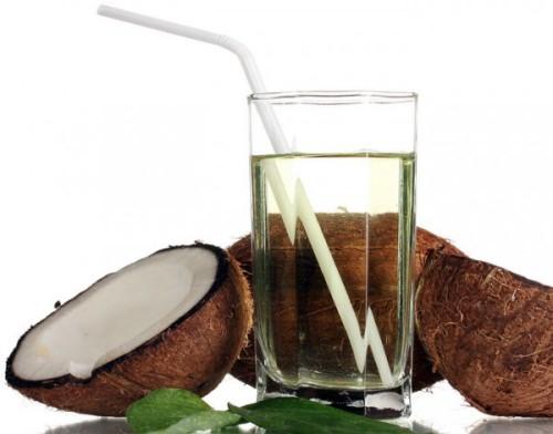 Beneficios de la agua de coco
